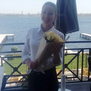 11 белых роз в Одессе фото