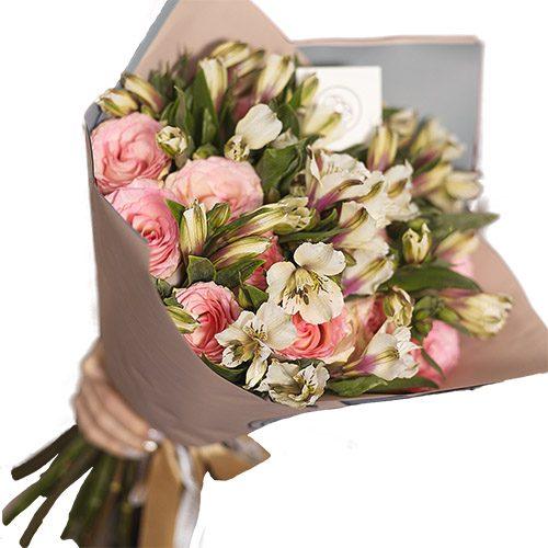 фото Микс розовой розы и альстромерии