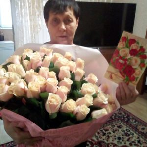 51 кремовая роза в Одессе фото