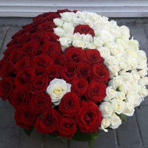 101 роза инь-ян в корзине в Одессе фото